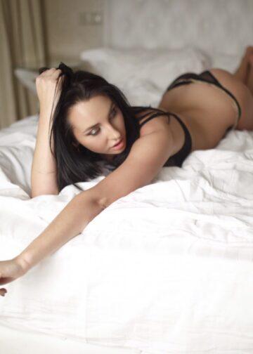 sexy babe caprice amsterdam
