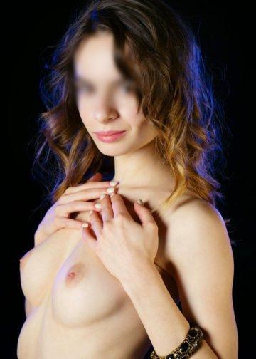 Debora super girl skiny escort in Amsterdam