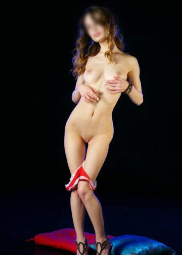 Debora super girl skiny escort in Amsterdam total sex in hotel