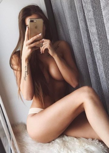 Valentina amsterdam escort hot selfie